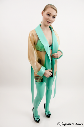 Short latex dressing gown